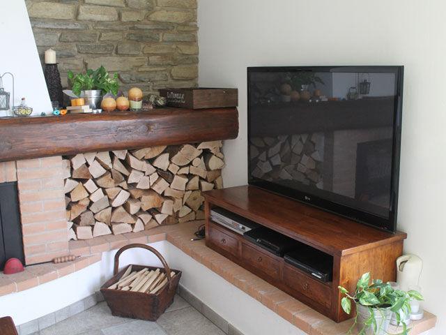 porta TV in stile
